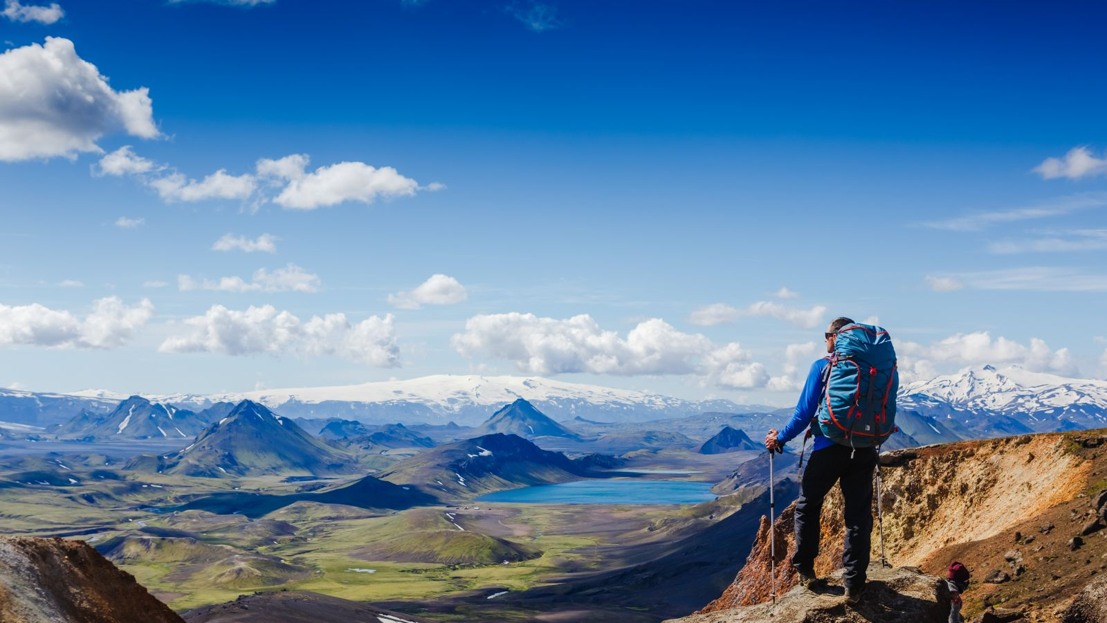 Pure exploration_Hiker_iceland.